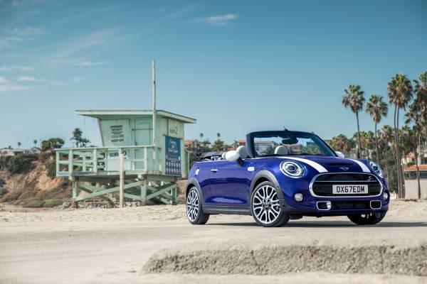Ήρθαν και στην Ελλάδα το νέο MINI Cabrio καιτα ανανεωμένα Mini, 3 και 5 θυρών