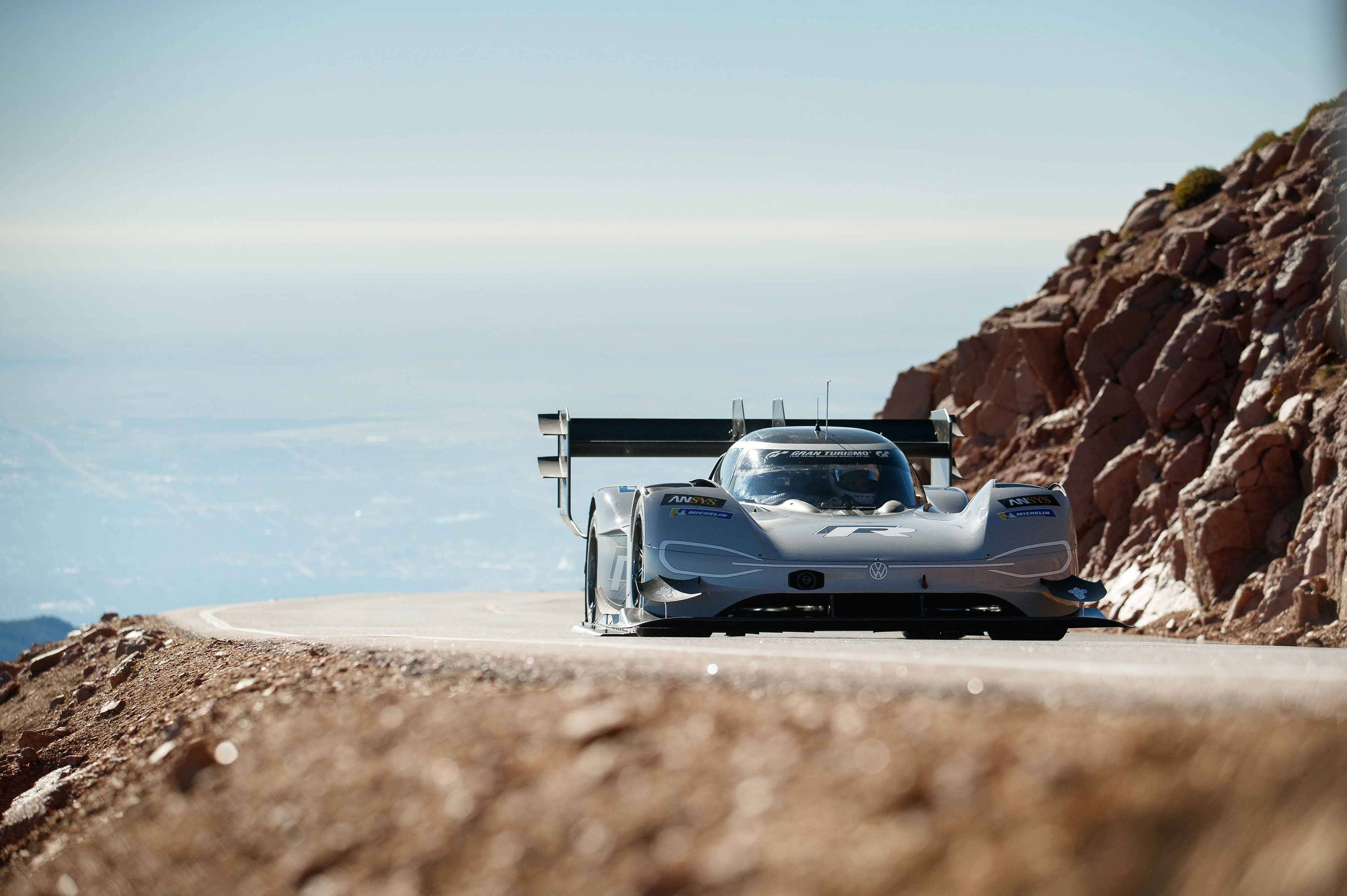 Ρεκόρ όλων των εποχών στο Pikes Peak- Έγραψε ιστορία η Volkswagen με το I.D. R