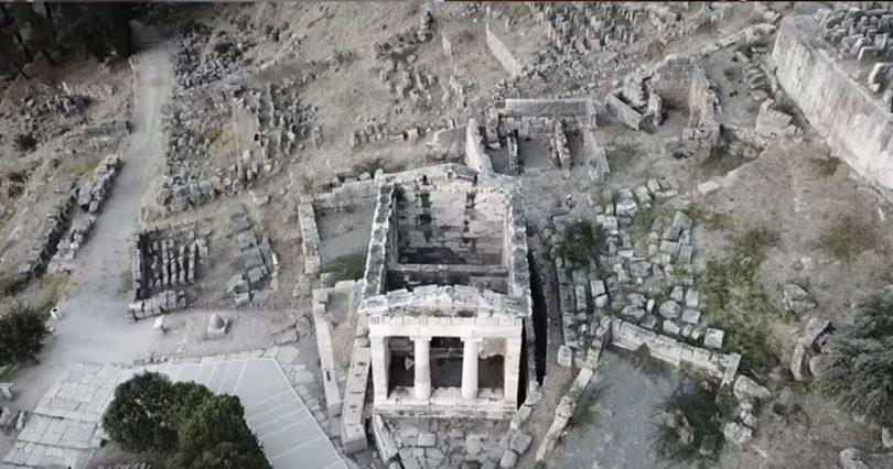 Ο «ομφαλός της γης»: Oι Δελφοί σε ένα εναέριο βίντεο που κόβει την ανάσα