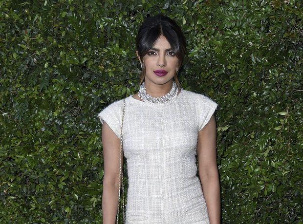 H Priyanka Chopra με το πιο δροσερό outfit που μπορείς να φοράς όλη μέρα