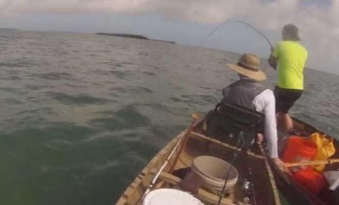 Πήγαν για ψάρεμα, όμως μετά από αυτό που έπαθαν, δύσκολα θα πάνε ξανά…(ΒΙΝΤΕΟ)