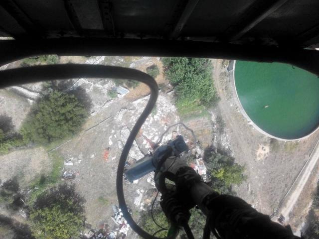 Χανιά: Συγκλονιστικό βίντεο μέσα από το ελικόπτερο που σβήνει φωτιές