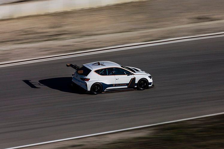 Πρώτη δοκιμή του ηλεκτρικού αγωνιστικού CUPRA e-Racer