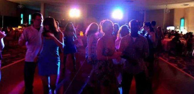 ΧΑΜΟΣ σε Πάρτι Ανταλλαγής Συντρόφων στην Καλαμάτα – Εισέβαλε Μέσα η Αστυνομία και Αντίκρισε…