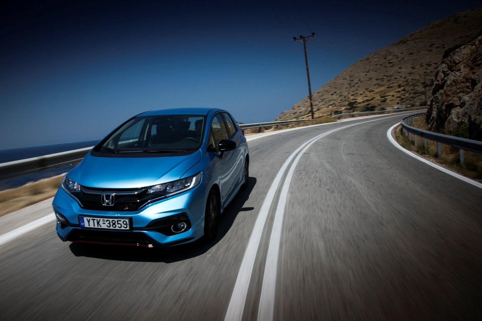 Με νέους κινητήρες «εξοπλίζονται» τα Honda Civic και Honda Jazz