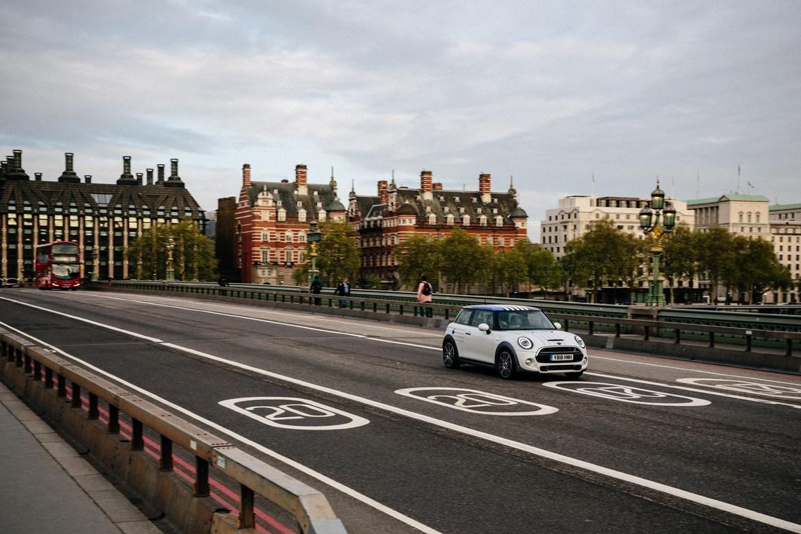 """«One-off"""" αυτοκίνητο ΜΙΝΙ δημοπρατήθηκε στο Φεστιβάλ Ταχύτητας 2018"""