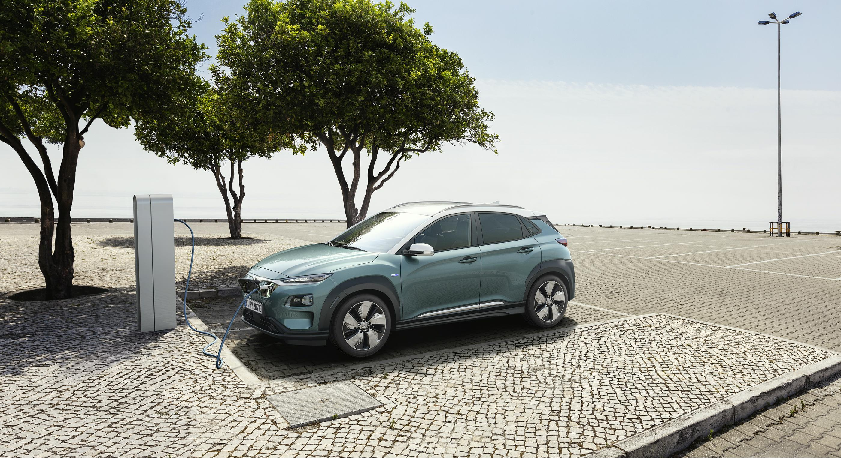 Η Hyundai «ηλεκτρίζει» με διπλή νίκη τα Auto Express New Car Awards του 2018