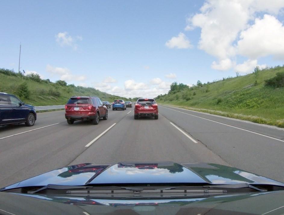 Λιγότερο μποτιλιάρισμα από την έρευνα της Ford και της τεχνολογίας Adaptive Cruise Control