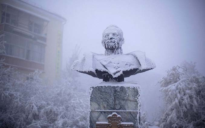 Oymyakon: Το πιο παγωμένο χωριό του κόσμου βρίσκεται στη Σιβηρία (BINTEO)