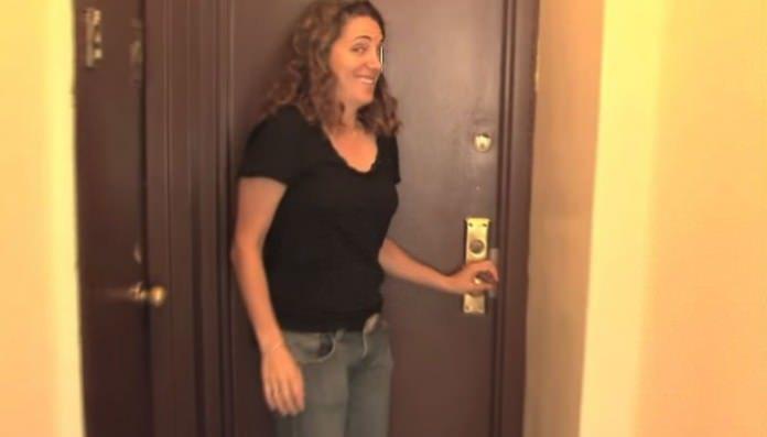 Το Διαμέρισμα της είναι μόλις 8 Τετραγωνικά! Μόλις δείτε όμως το Εσωτερικό του… Θα το Λατρέψετε!