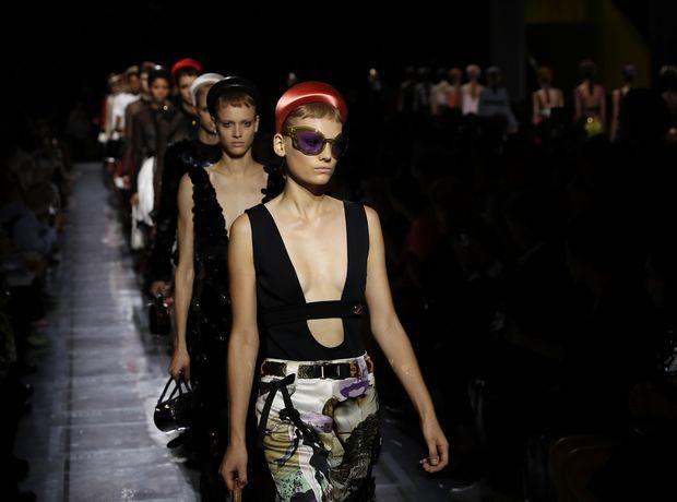 Τα fashion show του Prada και του Armani στο Μιλάνο είναι η έκφραση της σύγχρονης μόδας