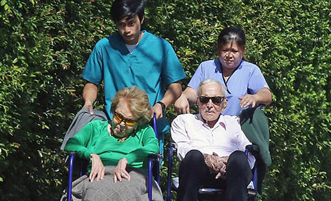 Ο 101χρονος Κέρκ Ντάγκλας και η 99χρονη σύζυγός του παραμένουν αχώριστοι εδώ και 64 χρόνια!!!