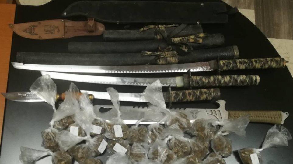 Μονεμβασιά: Βρήκαν σπαθιά και χασίς σε σπίτι