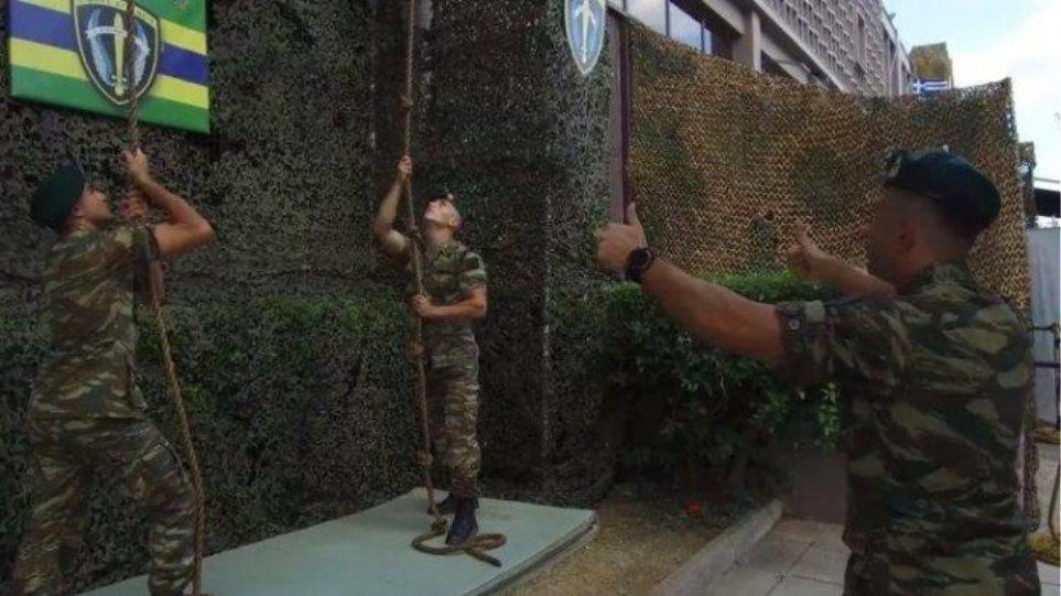 Το… mannequin challenge των Ενόπλων Δυνάμεων στη ΔΕΘ (βίντεο)