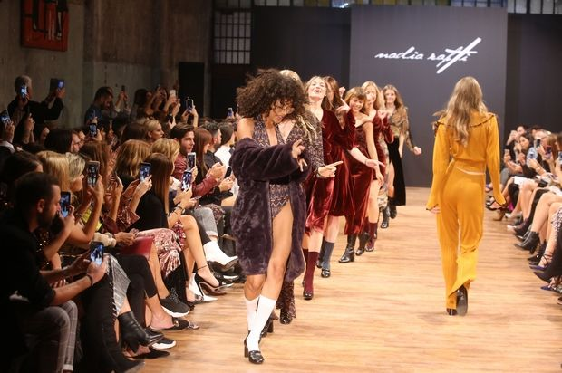 Το πρώτο fashion show της Nadia Rapti