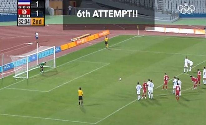 Το πέναλτι που εκτελέστηκε 6 φορές. Οι θεατές φώναζαν «κι άλλο κι άλλο». Το παιχνίδι έγινε στην Ελλάδα και είναι μοναδικό στην ποδοσφαιρική ιστορία