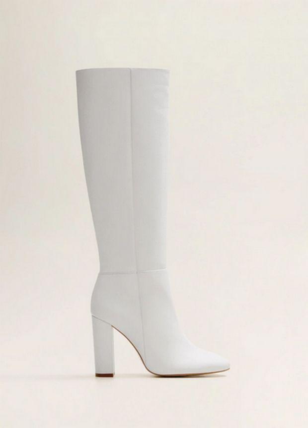 Οι λευκές μπότες είναι εδώ για να απογειώσουν τα outfits σου
