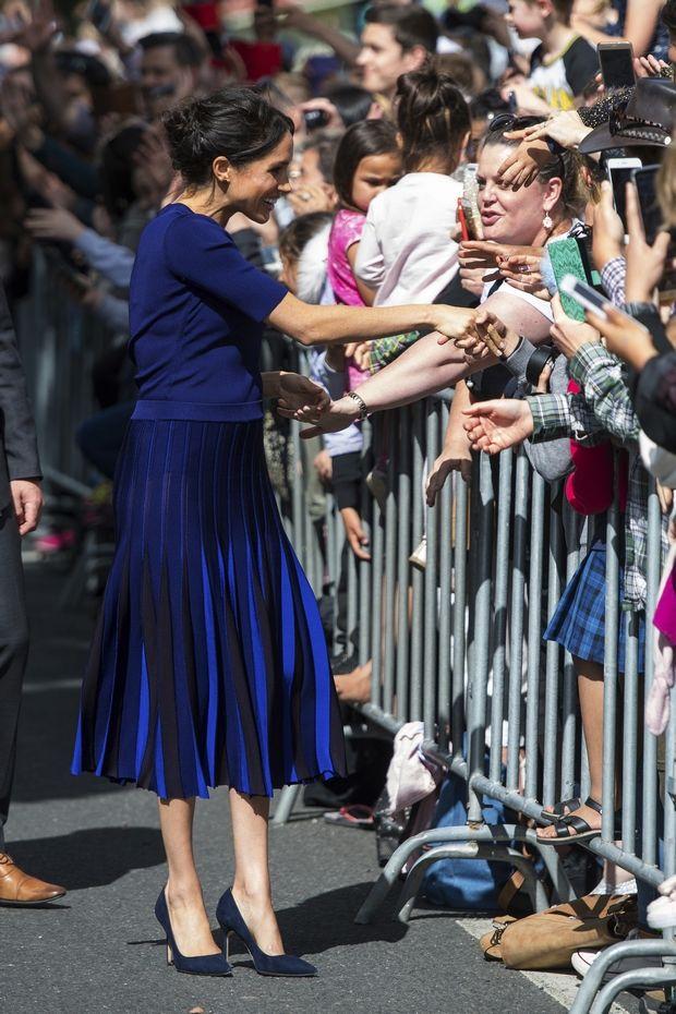Η Meghan Markle με διάφανη φούστα. Τι θα πει η Βασίλισσα;