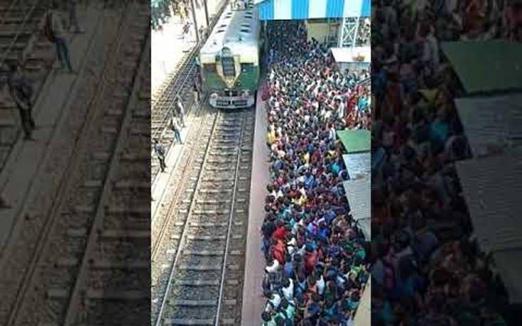 Αν νομίζεις ότι έχει πολύ κόσμο στο μετρό πρέπει να δεις αυτό