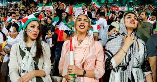 Εκτός γηπέδων και πάλι οι γυναίκες στο Ιράν