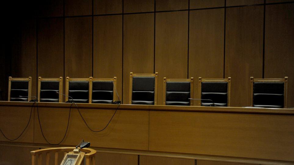 Λάρισα: Καταδικάστηκε ο συνταξιούχος αστυνομικός που έλυνε μάγια έναντι αμοιβής