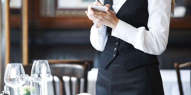Υπάλληλοι, πωλητές και σερβιτόροι τα επαγγέλματα με τη μεγαλύτερη δυναμική στην Ελλάδα