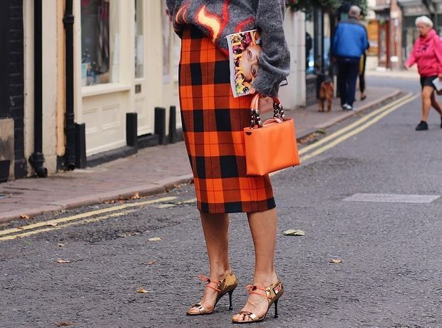 Αυτή είναι η IT φούστα Zara που λατρεύουν οι fashionistas