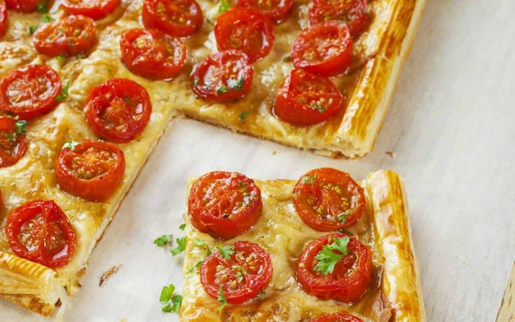 Τάρτα με ντοματίνια και τυρί