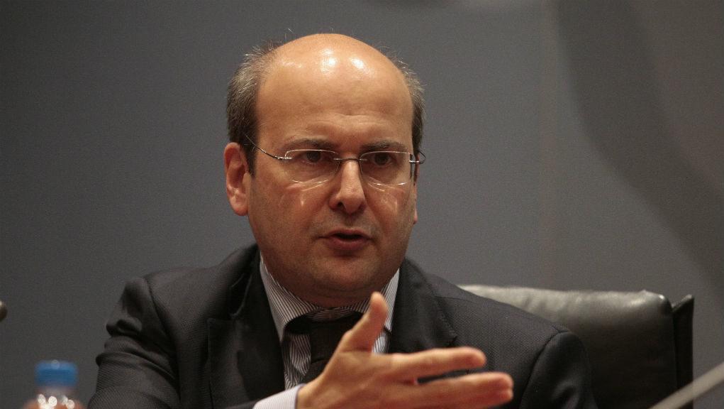 Χατζηδάκης: Η κυβέρνηση παίρνει βραβείο και στον κυνισμό