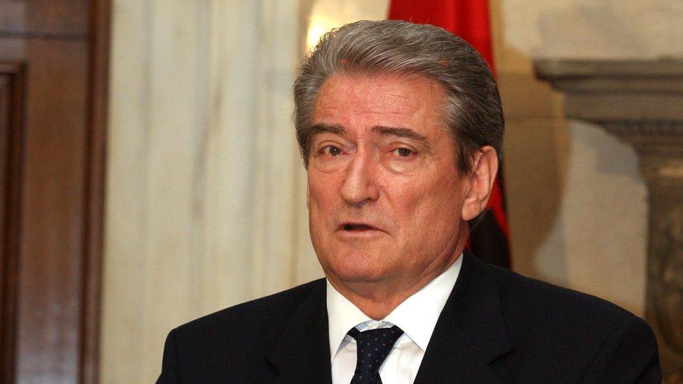 Πρώην πρόεδρος Αλβανίας: Ήρθαν στην Αλβανία πρωτόγονοι εξτρεμιστές και προβοκάτορες κηδειών