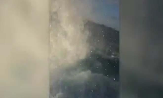 Τα είδαν όλα! Ψάρευαν με τη βάρκα τους και ξαφνικά…  [Βίντεο]