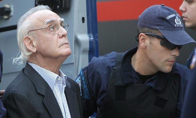 Ο Άκης χρειάζεται 30.000 ευρώ για να μην πάει πάλι φυλακή για «ασήμαντη» αφορμή