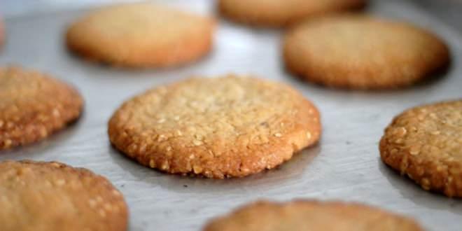 Μπισκότα βρώμης με μέλι (χωρίς αλεύρι, ζάχαρη και βούτυρο)