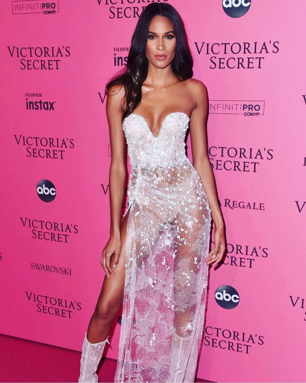 Ποια Αγγελάκια της Victoria's Secret φόρεσαν Celia Kritharioti Couture;