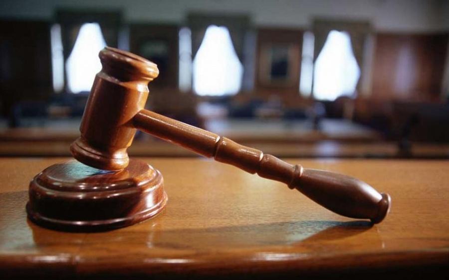 Ένωση δικαστών και εισαγγελέων για καθαρίστρια: Η αναντιστοιχία αδικήματος και ποινής είναι προφανής
