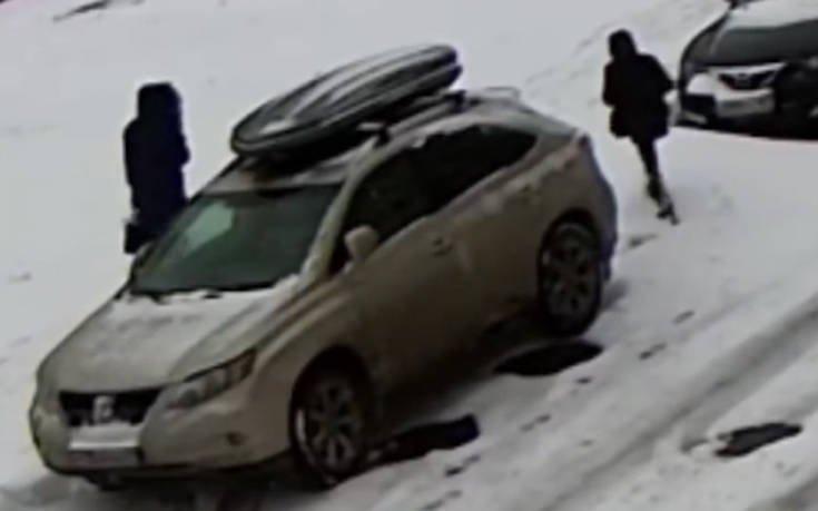 Όποιος στο χιόνι περπατεί… μπορεί να εξαφανιστεί
