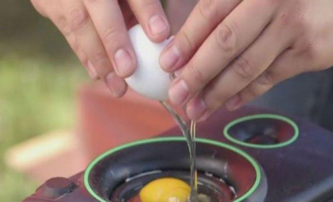 Σπάει ένα αβγό μέσα σε ένα ηχείο. Ο λόγος; Εντυπωσιακός!!!