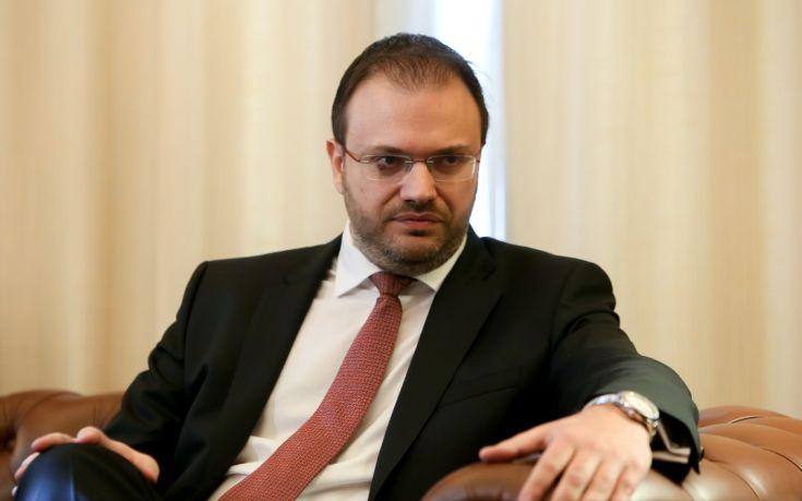 Θεοχαρόπουλος: Να καταργηθούν τα προνόμια του πολιτικού συστήματος