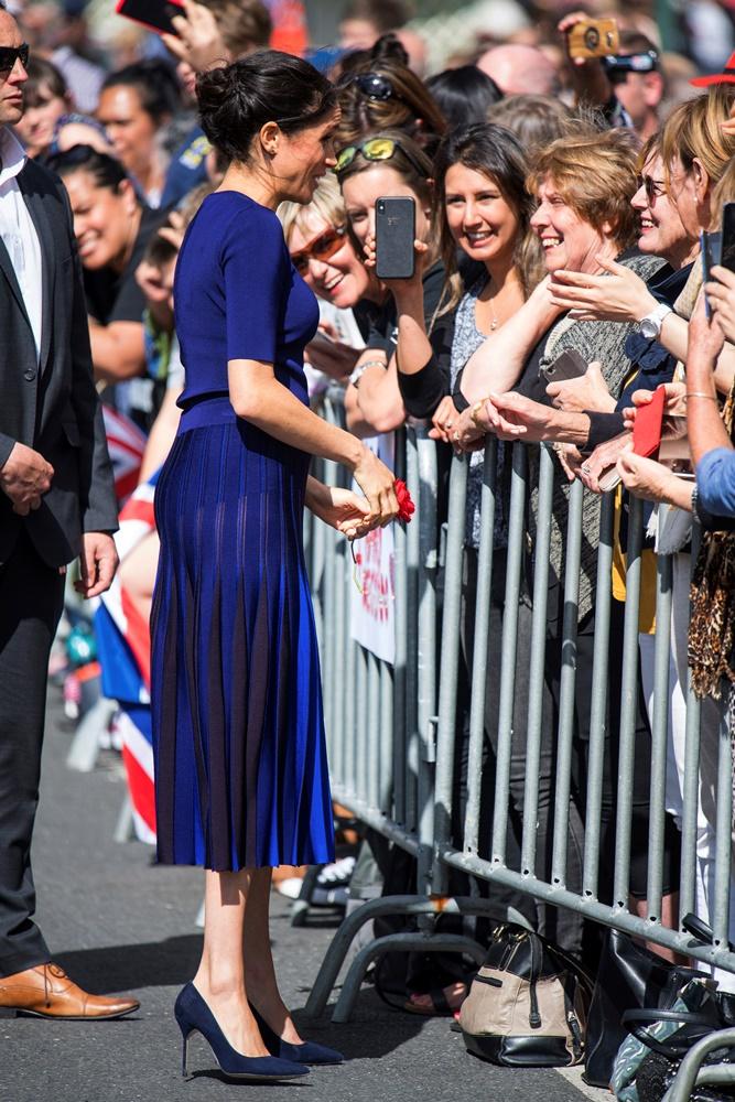 Γιατί η Meghan Markle φόρεσε μία Givenchy, διάφανη φούστα την τελευταία μέρα του βασιλικού τουρ;