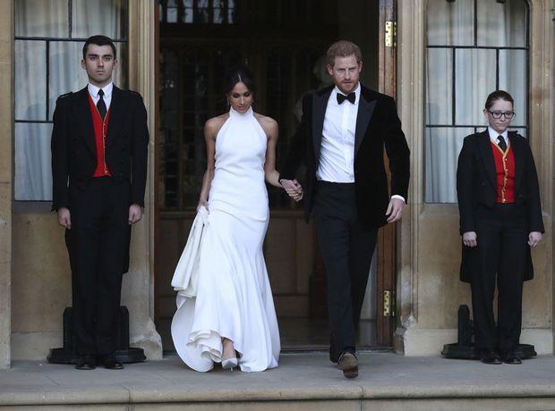 To δεύτερο νυφικό φόρεμα της Meghan Markle πωλείται σε ρέπλικα και κοστίζει λιγότερο από 40 ευρώ