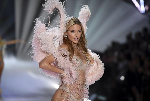 Το φαντασμαγορικό Victoria's Secret Show, τα δάκρυα της Adriana Lima και η κριτική για την απουσία της διαφορετικότητας