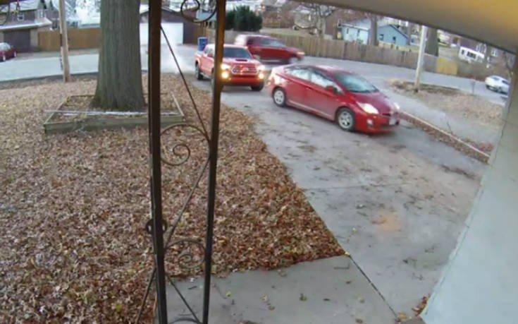 Ζευγάρι τράκαρε μεταξύ του πριν φύγει από το σπίτι