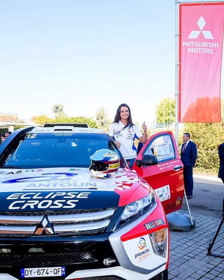 Μια πανέμορφη Ισπανίδα θα τρέξει με Mitsubishi Eclipse Cross στο 2019 Dakar