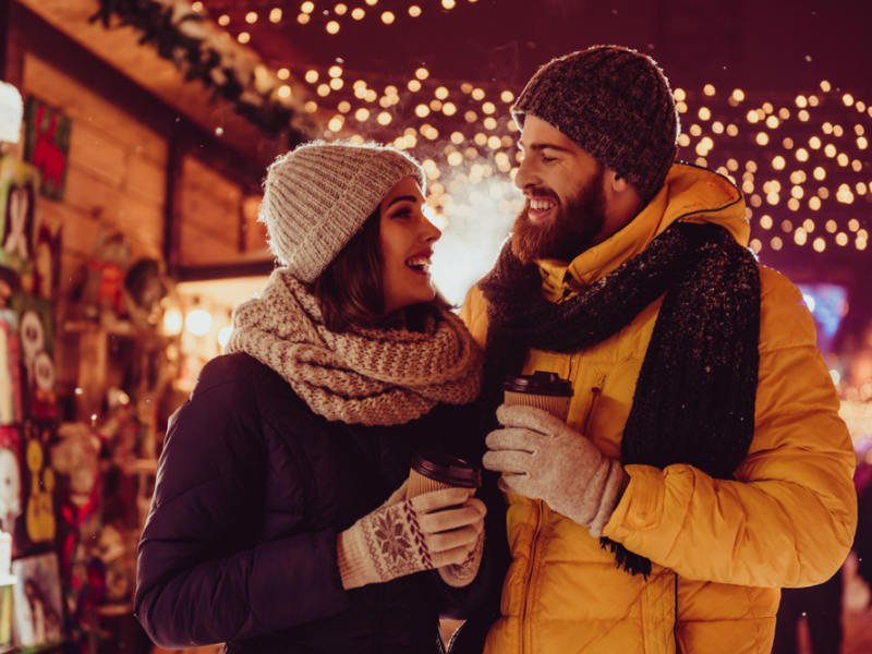 Έχουν διάρκεια οι έρωτες των γιορτών;
