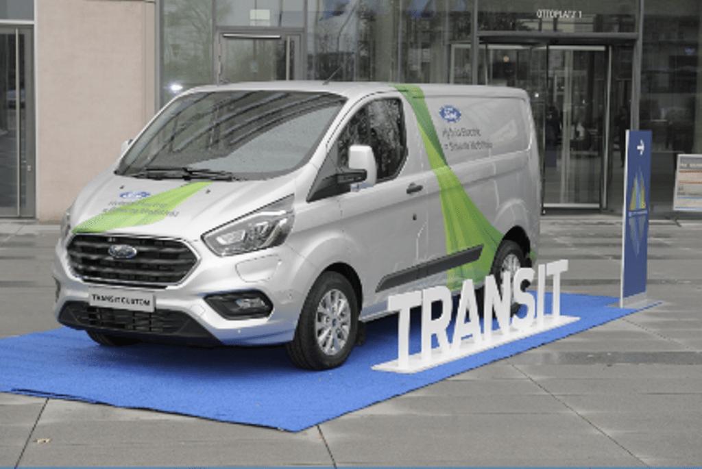 Η Ford επεκτείνει τη δοκιμή του Transit Plug-In Hybrid Van στην Κολωνία