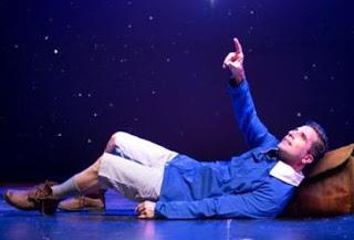 """«Ένα παιδί μετράει τ"""" άστρα»: Μέχρι τέλος Ιανουαρίου στο θέατρο Ακροπόλ (trailer)"""