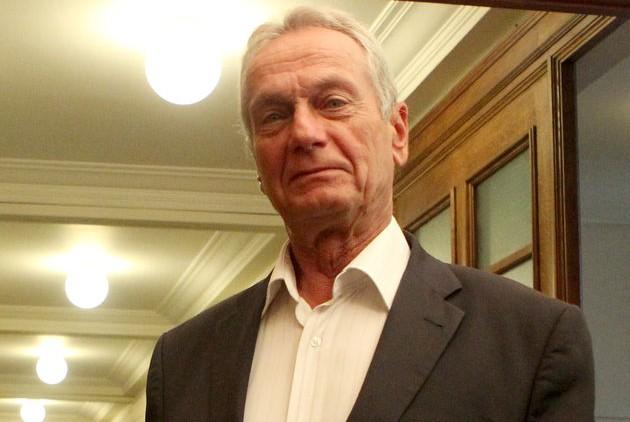 Σγουρίδης για Κουίκ: Mε τη στάση του και τις θέσεις του έθεσε εαυτόν εκτός Κοινοβουλευτικής Ομάδας