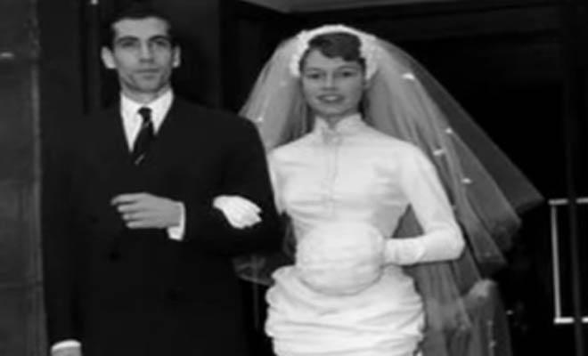 Ποια είναι η πανευτυχής νύφη της φωτογραφίας που έμελλε να γίνει το απόλυτο σύμβολο