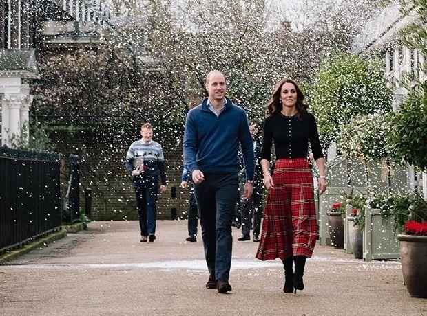 Η καρό φούστα της Kate Middleton είναι αυτή που θες στο χριστουγεννιάτικο στιλ σου