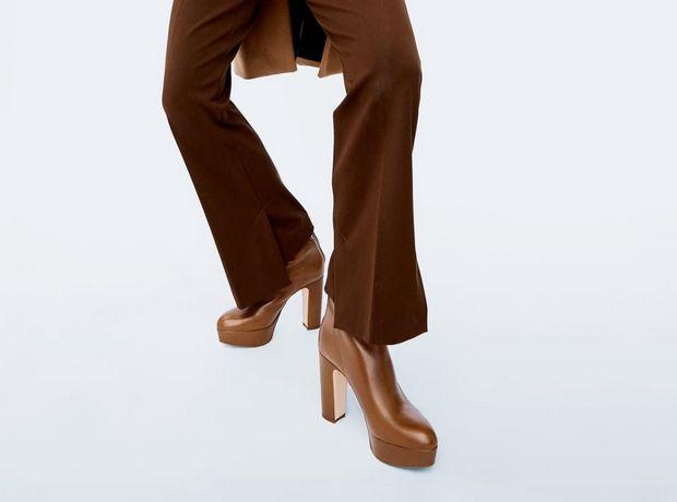 Στη Zara θα βρεις την πιο κομψή εκδοχή των platform booties των '90s